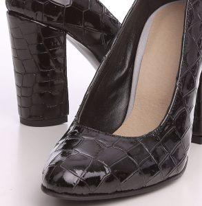 Pantofi din piele naturala lacuita cu print croco negru