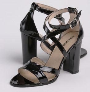 Sandale din piele lacuita neagra