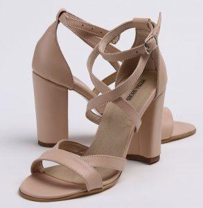 Sandale din piele naturala nude cu toc imbracat