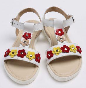 Sandale din piele naturala alba cu floricele