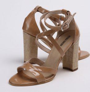 Sandale din piele lacuita naturala de culoare cappuccino